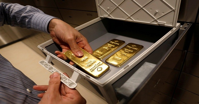 Exclusive - World's biggest gold ETF launching new low-fee fund - sour
