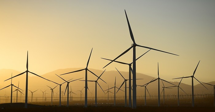 Global implementation of wind farms to reduce dependency in fossils
