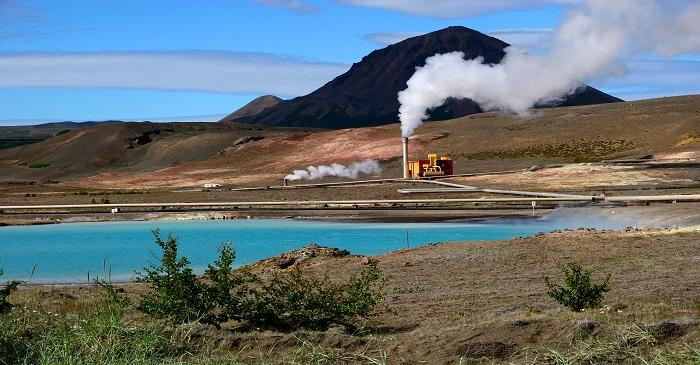 Comparing air, ground and geothermal energies