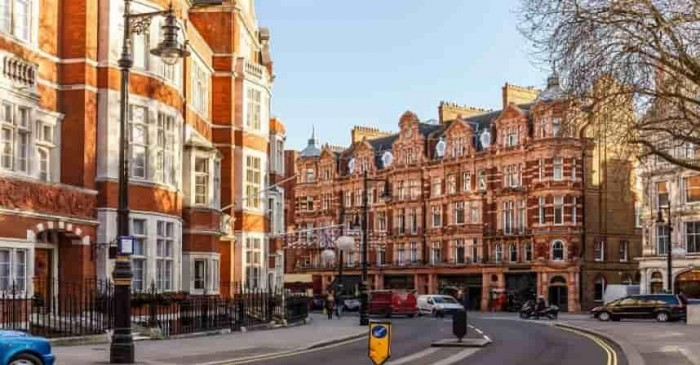 Where are American buying properties in the UK