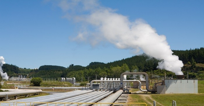 Which country uses geothermal energy for heating