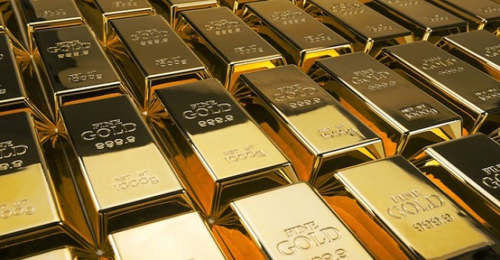 How much gold does the UK have