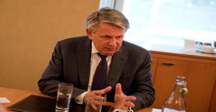 FILE PHOTO: Ben Van Beurden, CEO of Shell, speaks to Reuters reporters in Canary Wharf