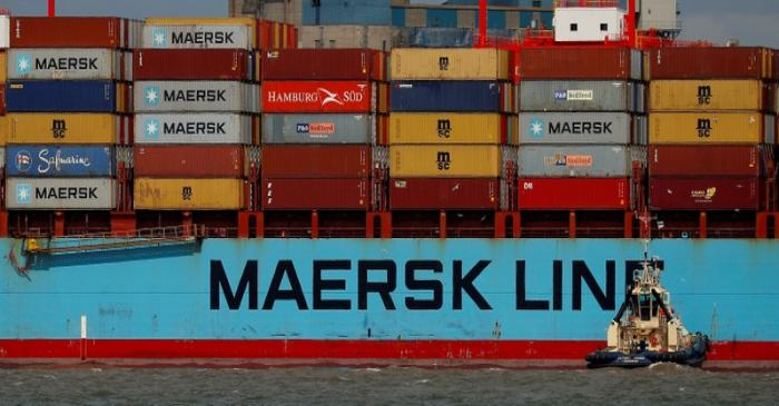 FILE PHOTO: The Maersk Line container ship Maersk Sentosa is helped by tugs as it navigates the