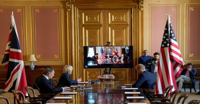 FILE PHOTO:  The U.S. and Britain launch first round of negotiations for a trade agreement