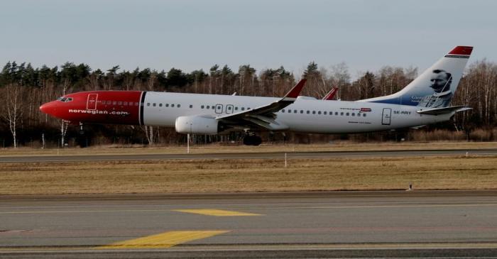 FILE PHOTO: Norwegian Air Sweden Boeing 737-800 plane SE-RRY lands in Riga International