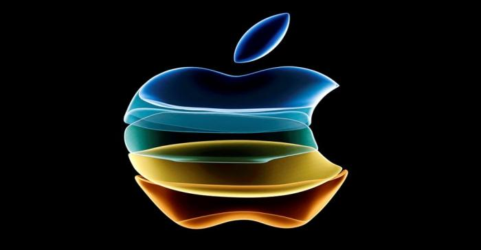 FILE PHOTO: The Apple logo is displayed at company headquarters in California